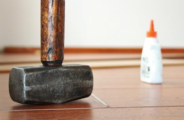 Renovierung mit Hammer